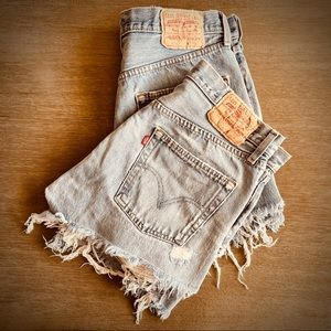 Distressed Levi's Denim Shorts 501 Button Fly Style Size 33